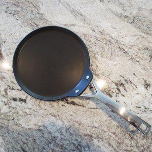 Le Creuset Toughened Non-Stick Crepe Pan, 24 cm